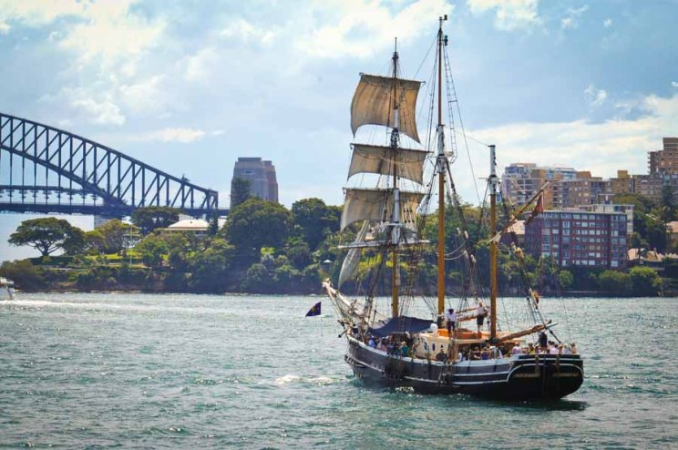 Cheap, Memorable, and Family Friendly Things to Do on Your Sydney Stopover | AtHomeOnTheGo.com