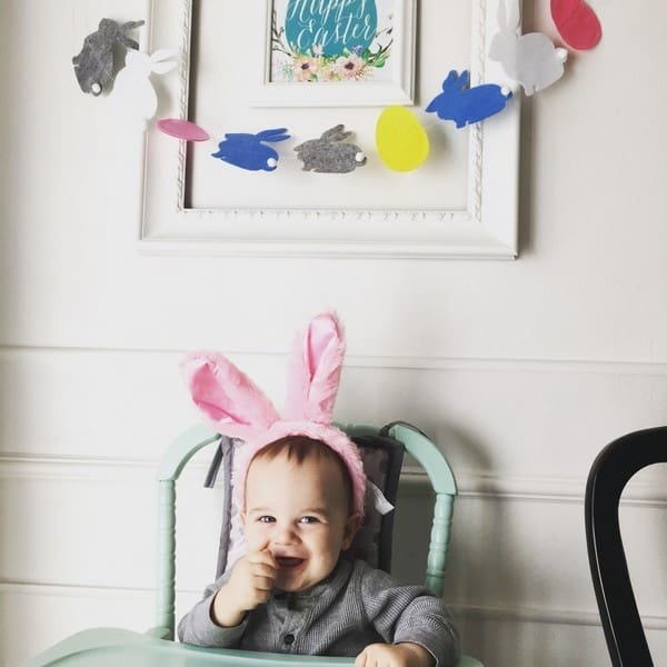 Easter decorations- fast and easy garland. DIY bunny garland ideas for the home. This easy craft would be great for kids. Easter Decorations on a budget