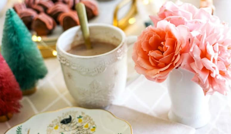 How to Host a Hot Cocoa Party