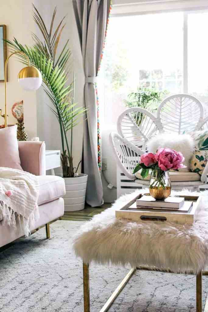 How to mix glam with beach décor - at home with Ashley