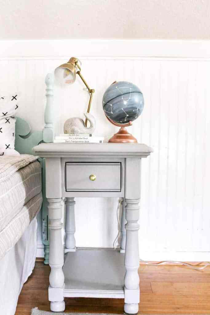 Don't room progress and nightstand. Thrift Store Home Decor Shopping Tips. Thrift Store Home Decor Shopping Tips. I am a girl who likes to decorate my house on a budget and what better way than buying second hand?! I share ideas and a few DIY's and my best tips so you too can be a thrift store home decor pro ;)