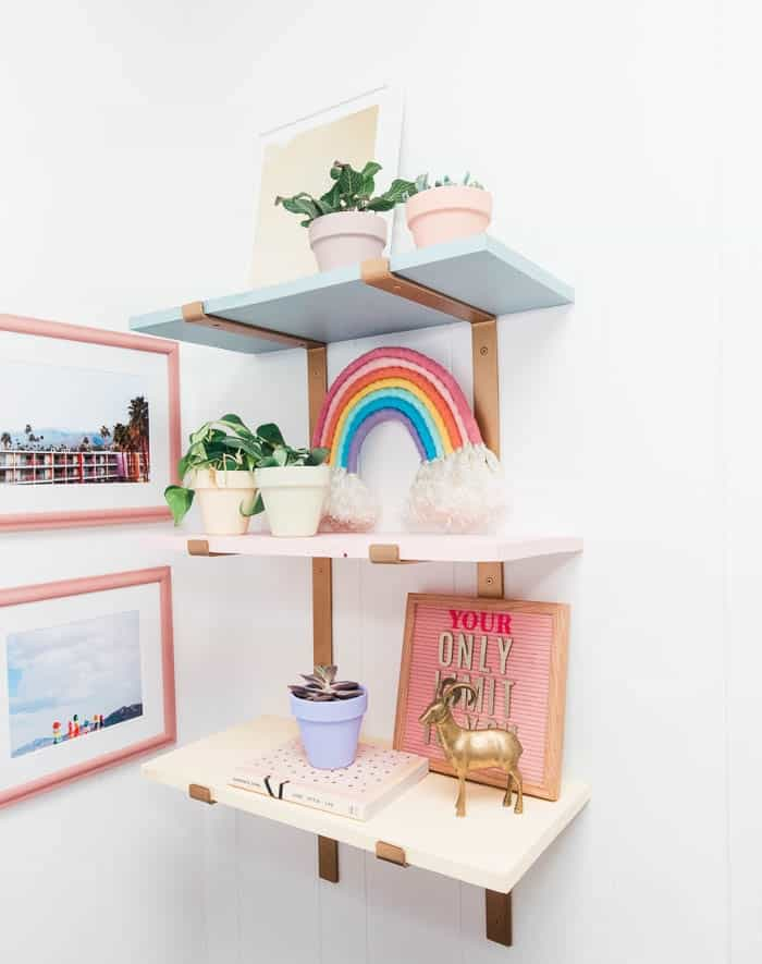 how to make colorful DIY wood shelves. These are so easy and are perfect for adding wall storage. This would be perfect in an office, bedrooms, kitchen, living room, or closet.