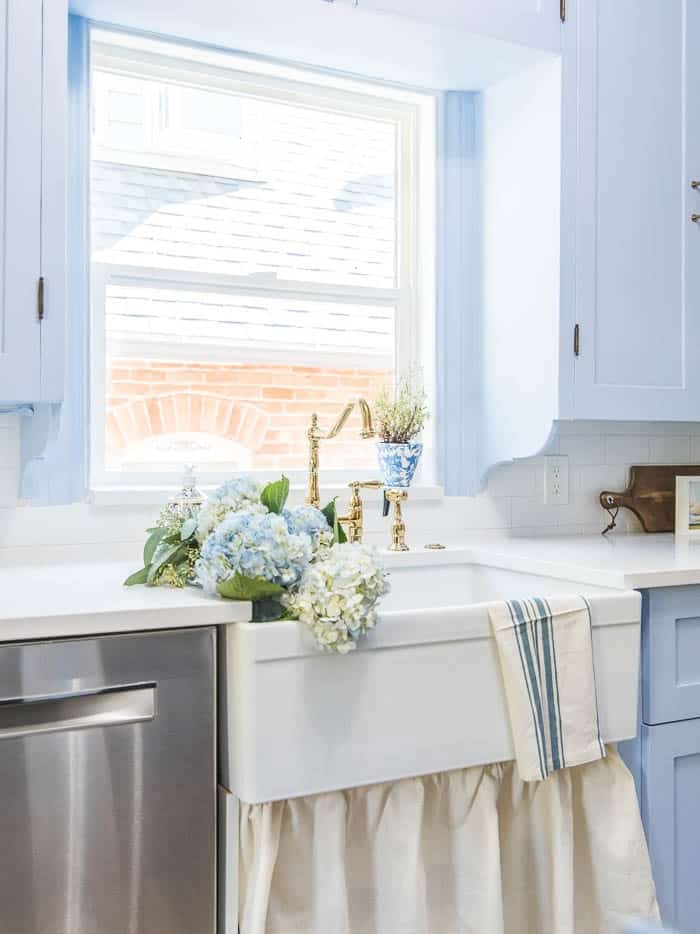 30 Amazing Tiny A Frame Houses That You Ll Actually Want To Live In: How To Install A Farmhouse Sink