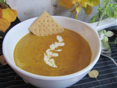 Fall Favorite Recipes: Pumpkin Pie Soup