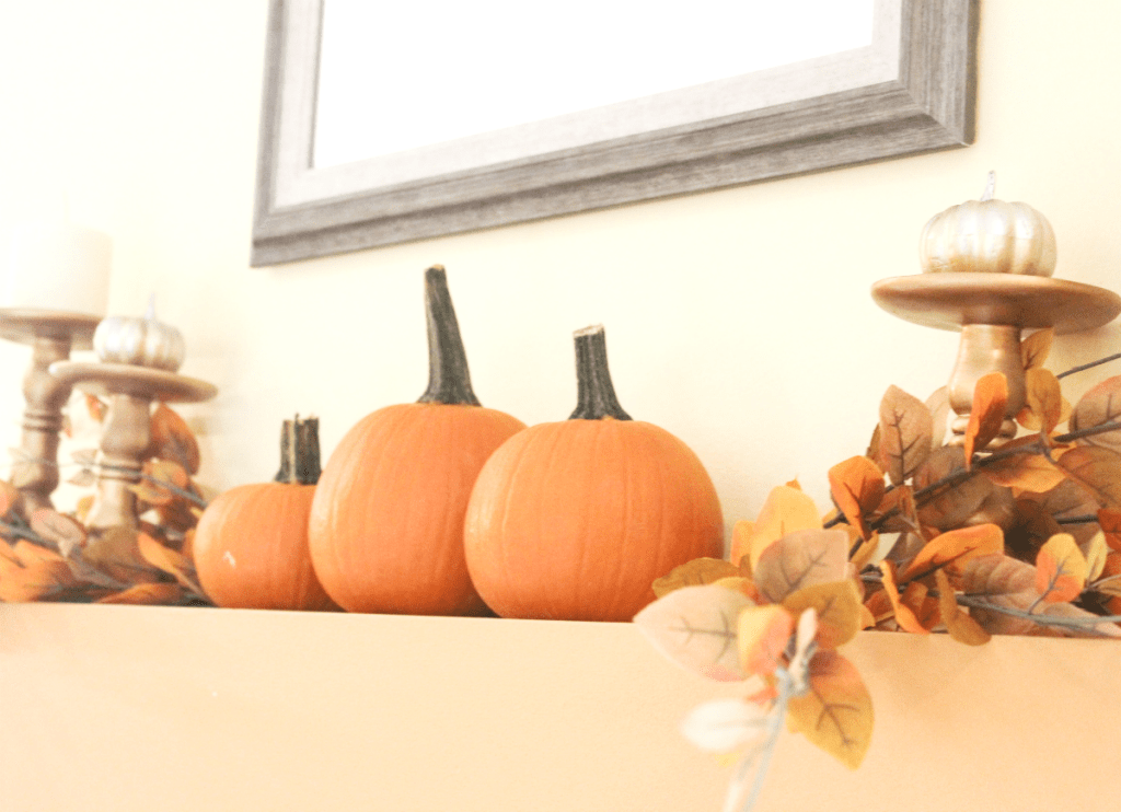 fireplace-mantel-real-pumpkins-and-faux-foliage