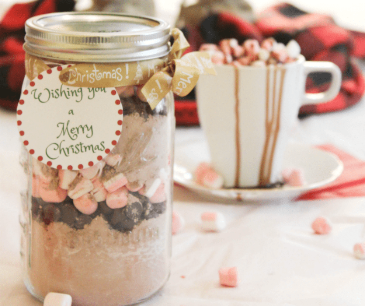Jarred Christmas Gifts: Hot Cocoa Mix In A Jar