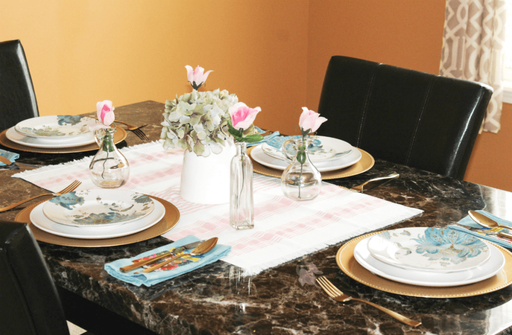 Spring dinning table setting