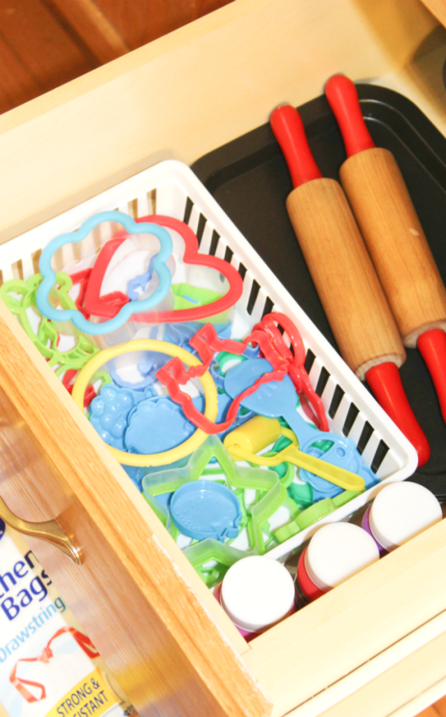 kitchen organization - playdough
