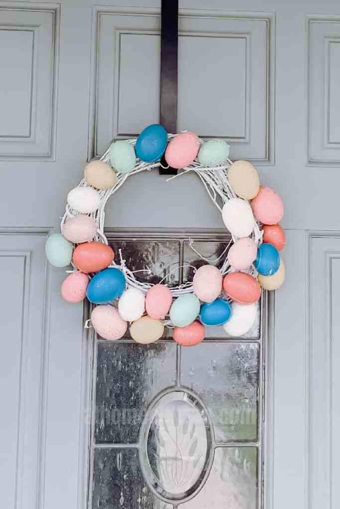 DIY Easter Egg Wreath - athomewithzan.com