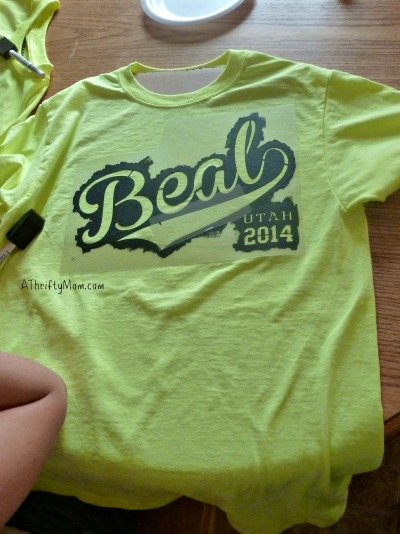 diy tshirt using a stencil diy craft thriftycrafts kidscraft thriftycraftsforkids