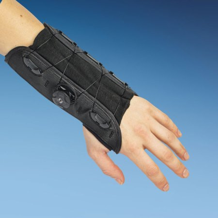 short wrist support brace with boa system
