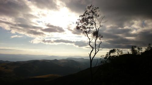 Serra é umas das últimas áreas de preservação ambiental nessa região de Minas Gerais