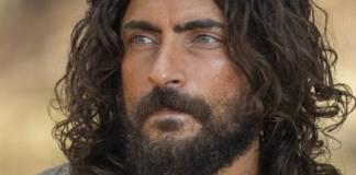 Carlo Porto interpretando Adão em 'Gênesis' (Record)