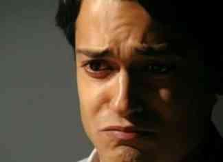 Raphael Vianna interpretando Hélio em 'Flor do Caribe' (Globo)