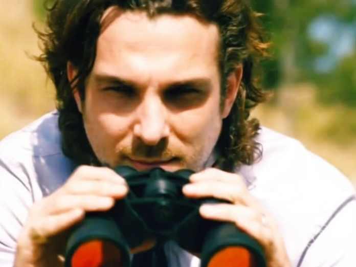 Igor Rickli como Alberto em 'Flor do Caribe' (Globo)