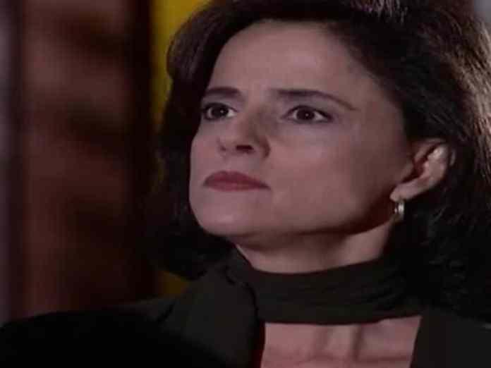 Alma (Marieta Severo) em 'Laços de Família' (Globo)