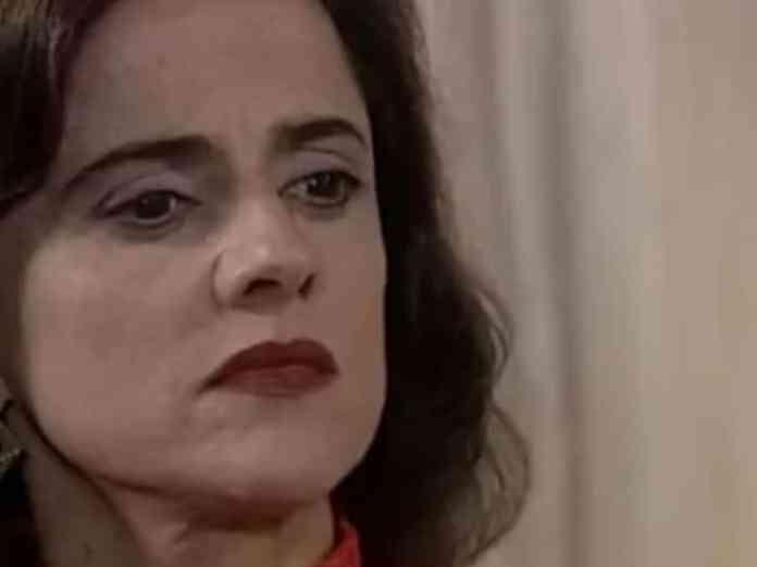 Marieta Severo como Alma em 'Laços de Famíllia' (Globo)