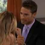 Nikki (Eiza González) e Francisco (Sebastián Rulli) em 'Amores Verdadeiros' (Sbt)