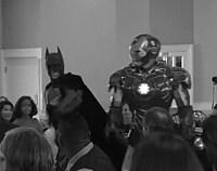 Video: Ce se intampla cand Batman si Iron Man sunt invitati la nunta?