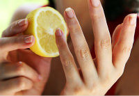 Cum scăpăm de petele galbene de pe unghii?