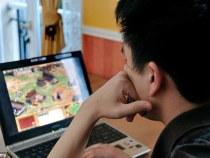 Uimitor: Un chinez si-a taiat o mana pentru a scapa de dependenta de internet