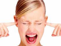 Un miliard de tineri risca sa-si piarda auzul din cauza ca asculta muzica prea tare