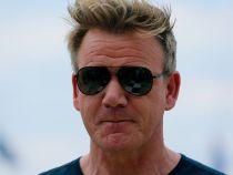 Ce truc folosește Gordon Ramsay pentru a scăpa de radare atunci când gonește cu Ferrari-ul său pe străzile din Los Angeles?