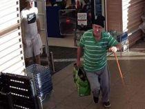 Un pensionar se vindecă miraculos și merge din nou după ce fură dintr-un supermarket