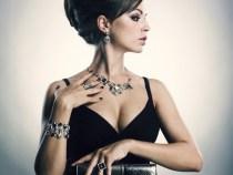 Accesorii si bijuterii care te pot ajuta sa aduci  tinutelor tale un plus de eleganta si unicitate