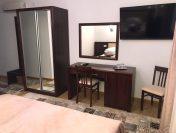 CASA PINO – Camere spatioase, curatenie impecabila si mobilier in stil napoletan