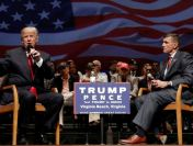 Donald Trump l-a grațiat pe fostul consilier Michael Flynn