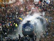 Polițiștii din Berlin au folosit tunuri cu apă împotriva manifestanților
