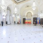 """Klaus Iohannis a acordat Ordinul """"Meritul Sanitar"""" în grad de Cavaler celor șase universități de Medicină și Farmacie din România"""