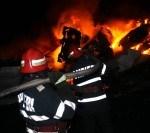 Incendiu la o casă din București: o persoană a murit și 2 au fost rănite