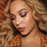 Beyonce a primit milioane de like-uri la o fotografie cu mama ei | FOTO