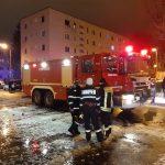 Incendiu într-un cămin din Brașov. Cel puțin o victimă | VIDEO