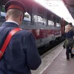 Ceferiștii pichetează, marți, Ministerul Transporturilor
