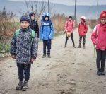 Europarlamentarii vor vota o rezoluție prin care țările UE vor trebui să se ocupe mai mult de copiii săraci | AUDIO