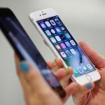 Apple, lider al vânzărilor de telefoane inteligente