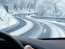 Probleme din cauza ninsorilor abundente din Brașov și Poiana Brașov