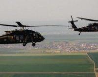 Elicoptere ale Forţelor Terestre americane fac zboruri de pregătire în România