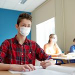De miercuri, elevii claselor 5-7, și 9-11 din Capitală pot reveni la cursuri, fizic. Incidența, de 0,89 la mia de locuitori