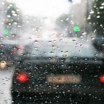 Vremea se va răci accentuat. Meteorologii anunță ploi în toată țara