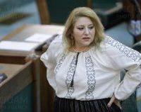 Diana Șoșoacă, sancționată de conducerea Senatului pentru instigare la ură și nepurtarea măștii | AUDIO