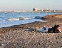 Minivacanța de Paște, pe litoral: Distracția este permisă doar până la 22.00, fără dans în grup