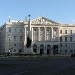 Arad: Mai multe centre de informare turistică nefolosite vor fi transformate în grădinițe și dispensare | AUDIO