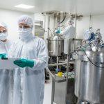 Facebook nu va mai interzice postările cu teorii ce pornesc de la ideea că SARS-CoV-2 a fost creat în laborator