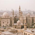 Egiptul anunță ridicarea restricțiilor, inclusiv pe cele privind programul de funcţionare a magazinelor şi restaurantelor