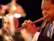 Celebrul trompetist de jazz Wynton Marsalis susține primul recital în România