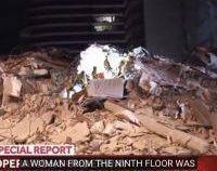 O persoană a murit, alte două au fost scoase de sub dărâmăturile clădirii de 12 etaje prăbușite în Florida   VIDEO